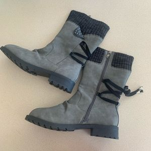 2/$15!! Grey mid calf lace up side zipper boots